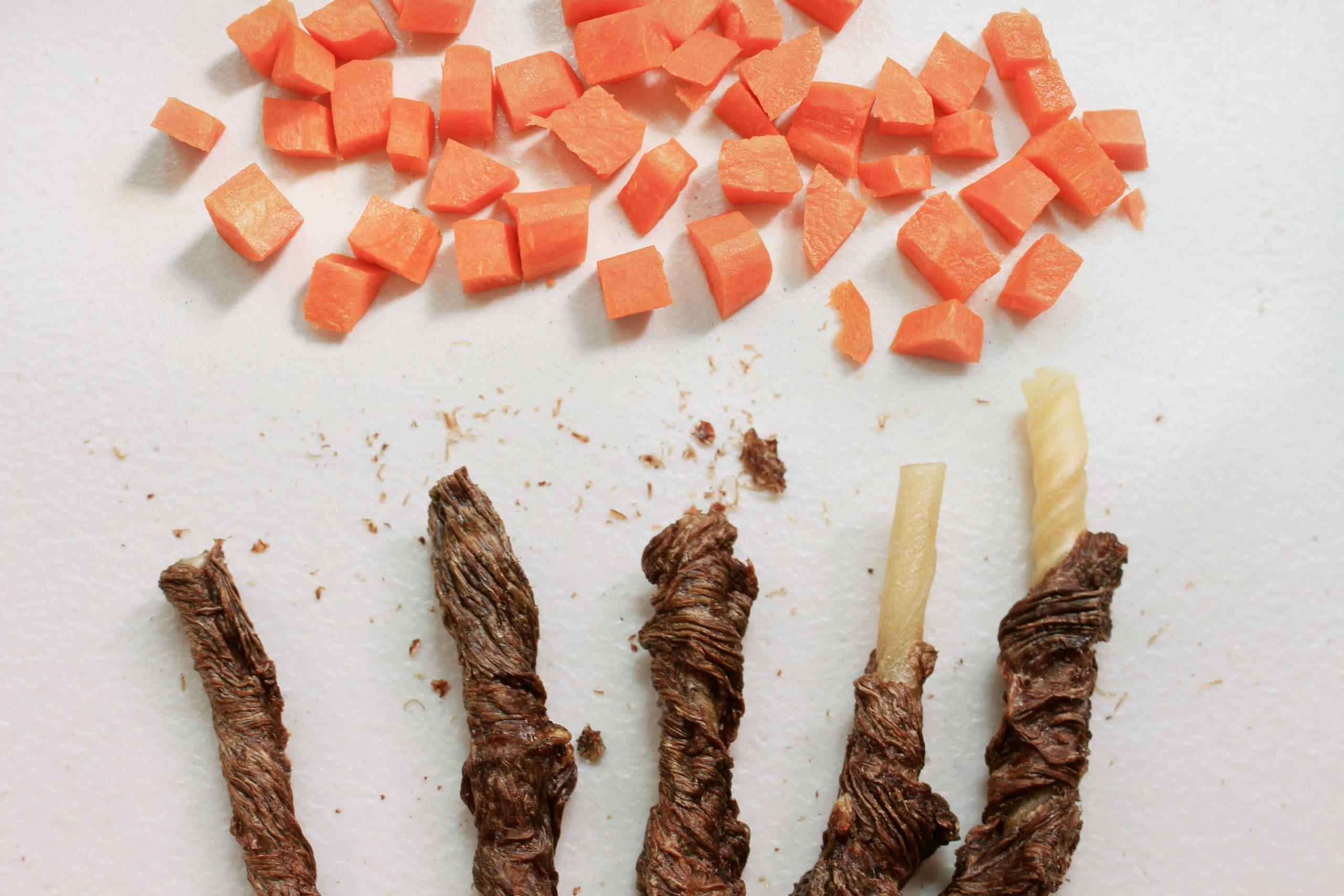 S3B2. 紅蘿蔔牛肉皮骨捲10支