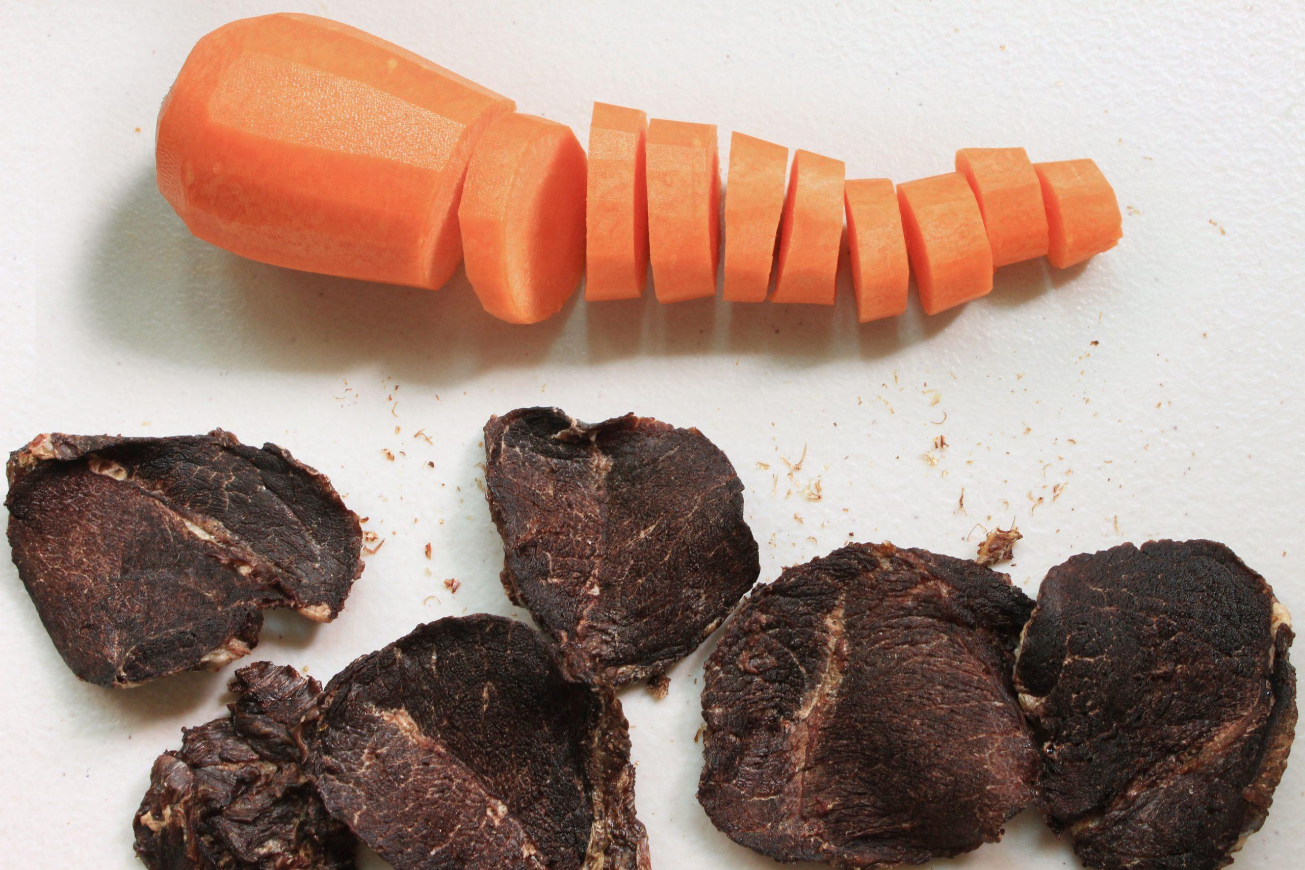 S3B3. 紅蘿蔔牛肉片70g