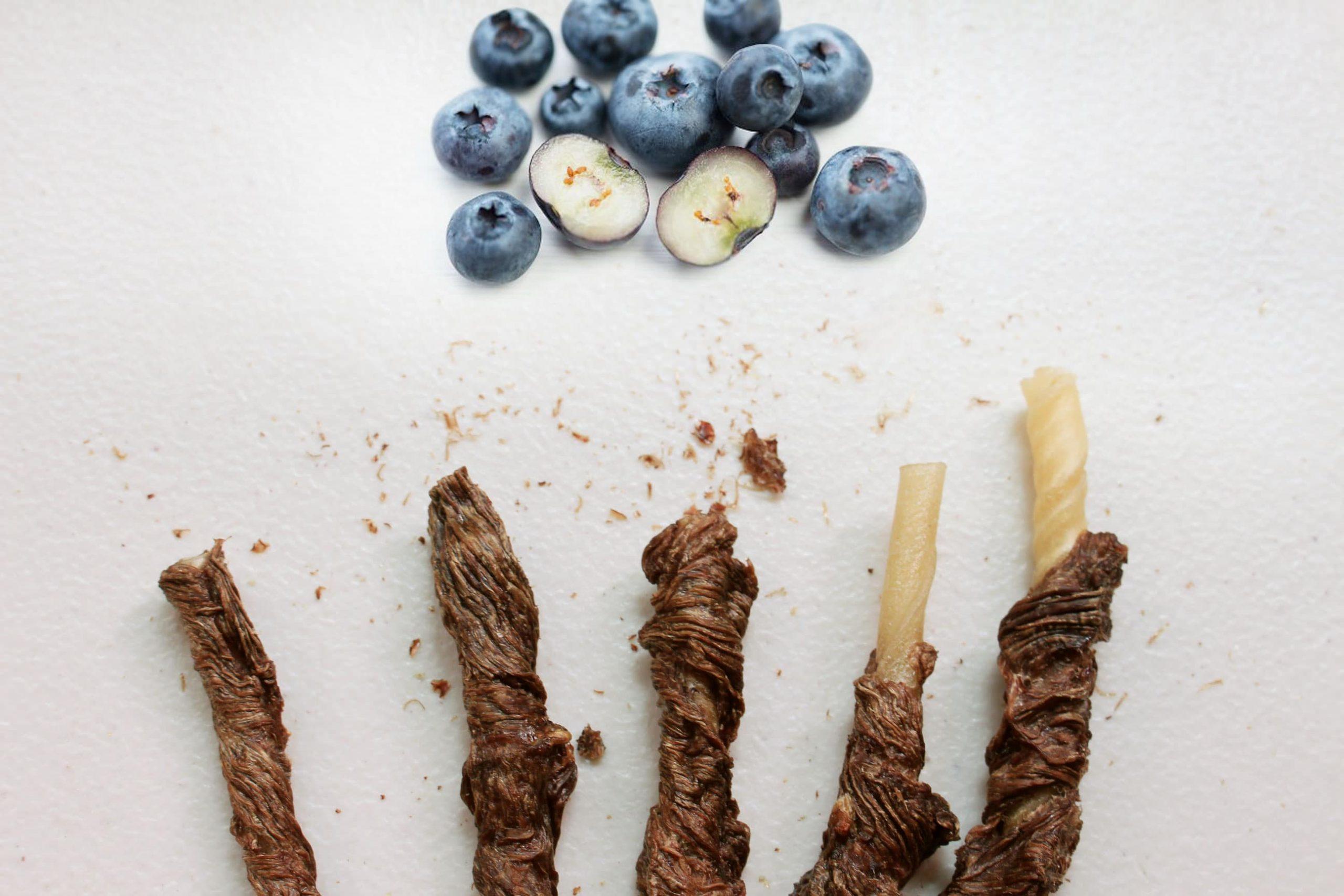 S5B2. 藍莓牛肉皮骨捲10支