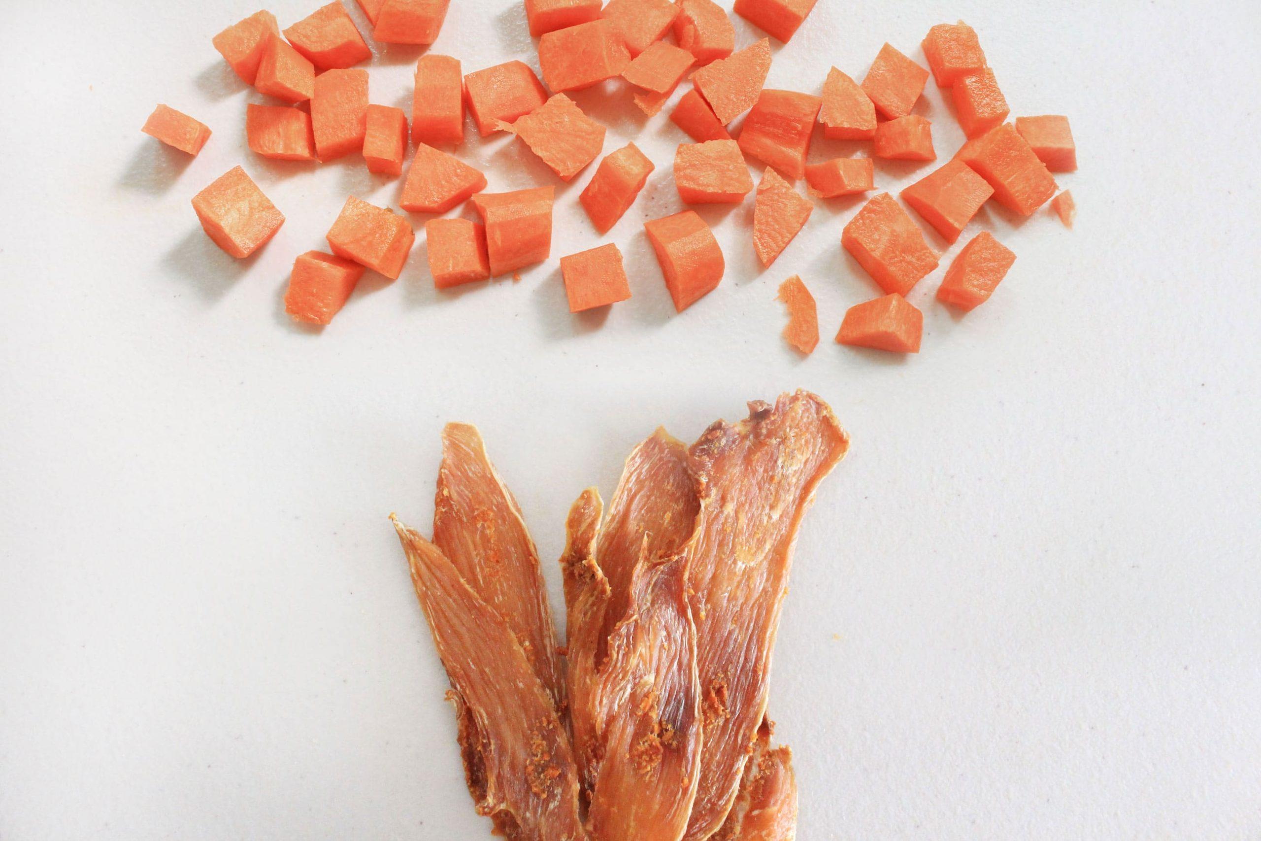 S3C4. 紅蘿蔔雞胸薄片85g