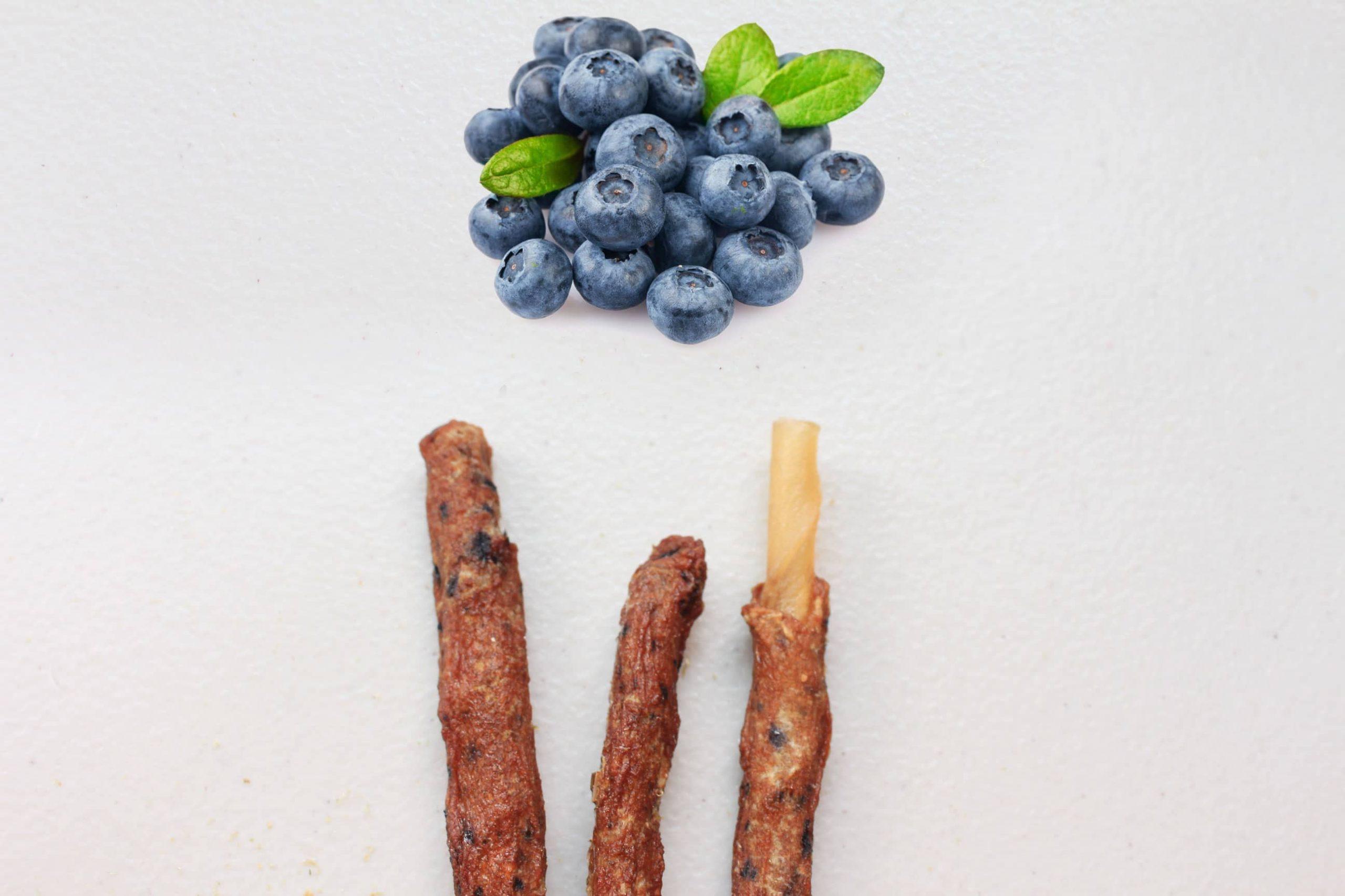 S5F2. 藍莓虱目魚皮骨捲10支